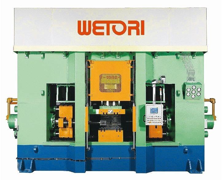 一心機械所生產的液壓成型機。 一心機械/提供