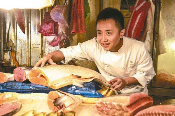 W紫艷主廚鄔海明主持餐廳首度進入全球1000家餐廳排行。