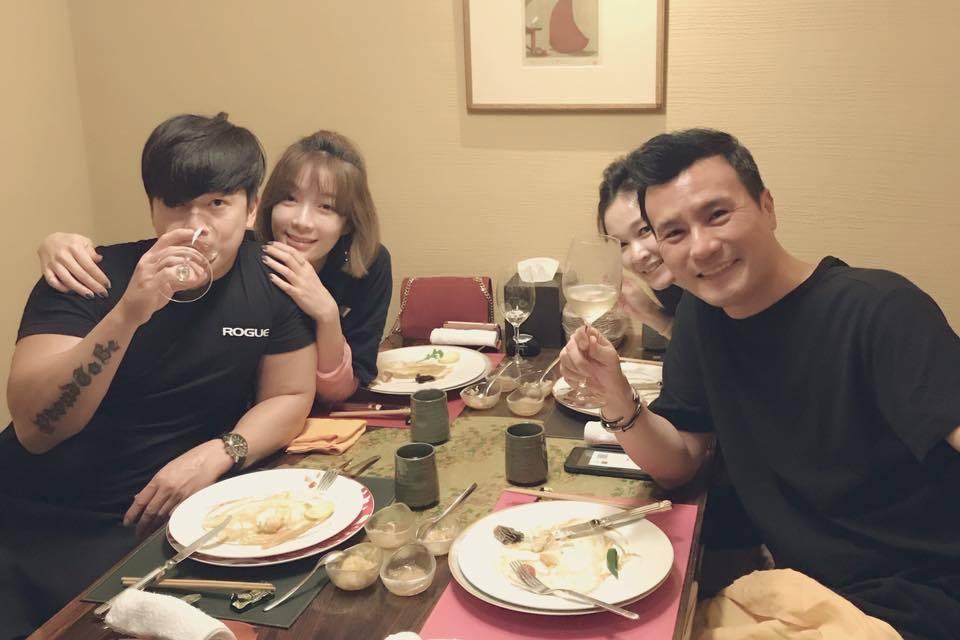 李沛旭在臉書曬出(左一)與蔡淑臻(左二)親密合照。※提醒您:禁止酒駕 飲酒過量有...