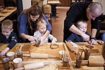 不分男女老少,都能在博物館體驗到DIY的樂趣 (照片/紐約時報提供)