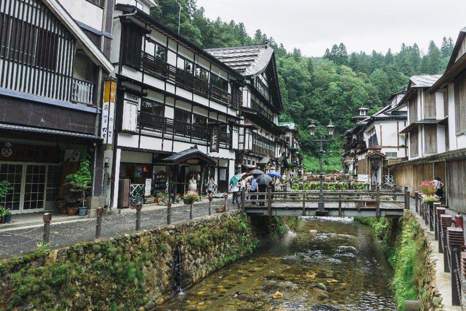 銀山溫泉是傳聞中《神隱少女》油屋取景地。