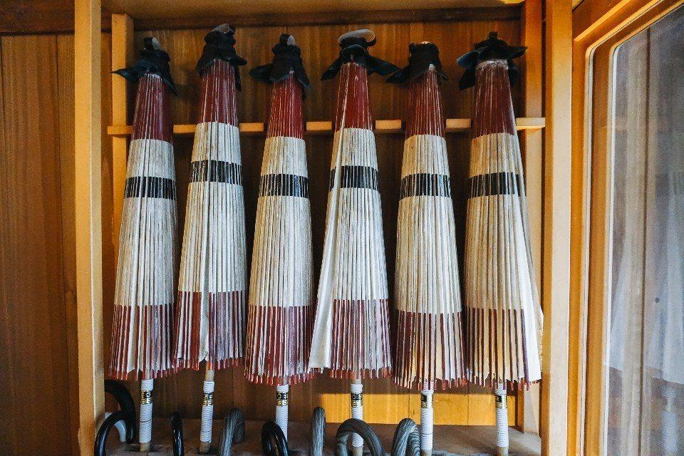 丸屋旅館除了提供一般雨傘,還有珍貴的「番傘」(油紙傘)。