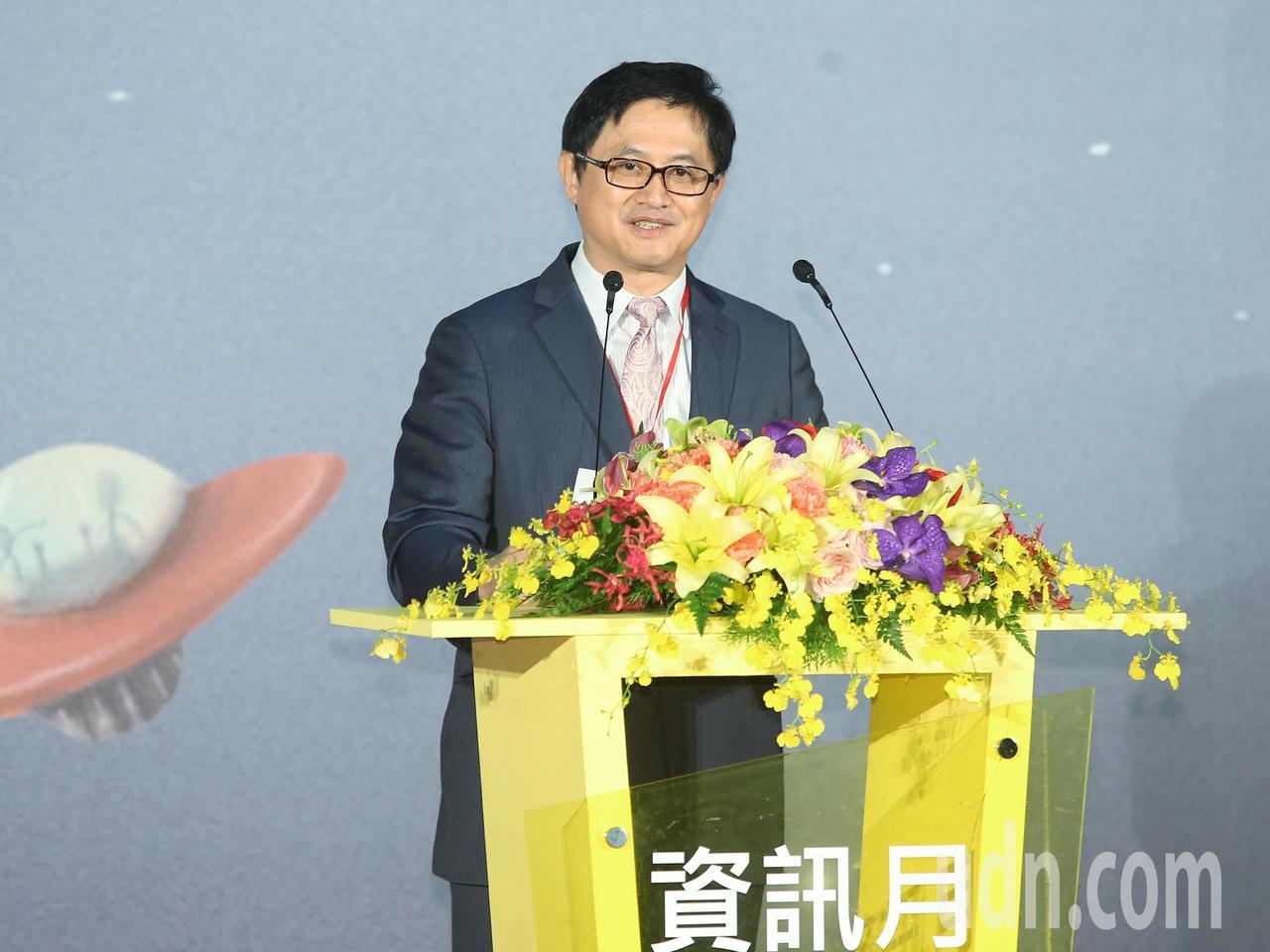 台北市電腦公會理事長童子賢主持資訊月開幕活動。記者楊萬雲/攝影