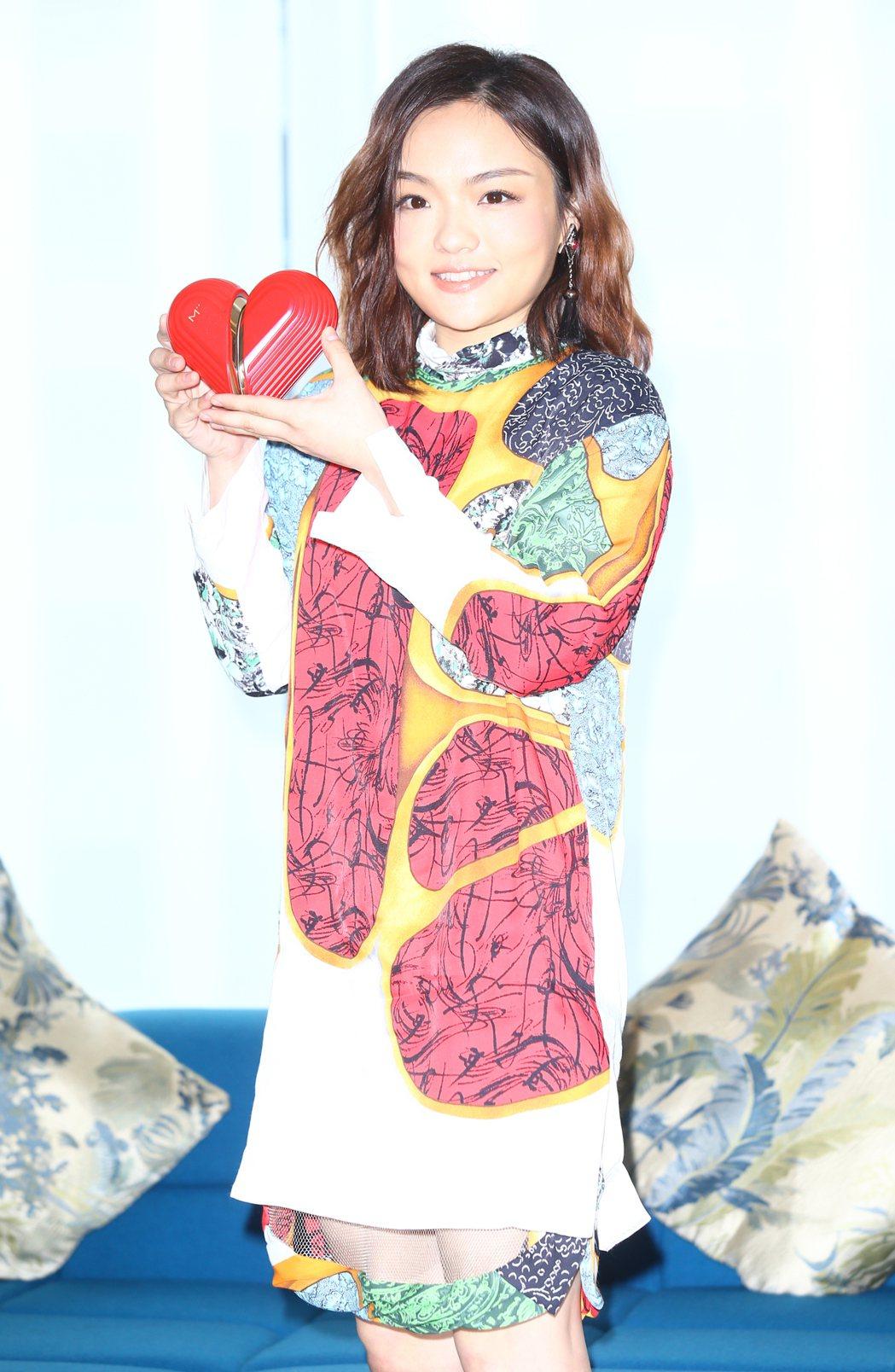 徐佳瑩(LaLa)舉行全新專輯【心裡學】新歌分享會。記者曾學仁/攝影