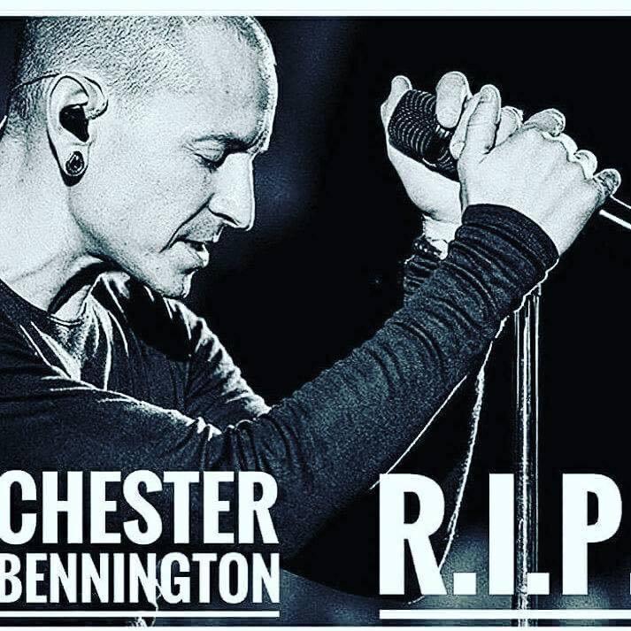 搖滾天團「聯合公園」主唱查斯特班寧頓今年7月20日在洛杉磯住處上吊身亡,時年41