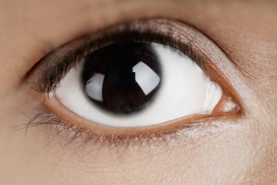 衛福部預告修正「人體器官移植分配及管理辦法」,將「眼角膜移植以65歲以下者優先」...