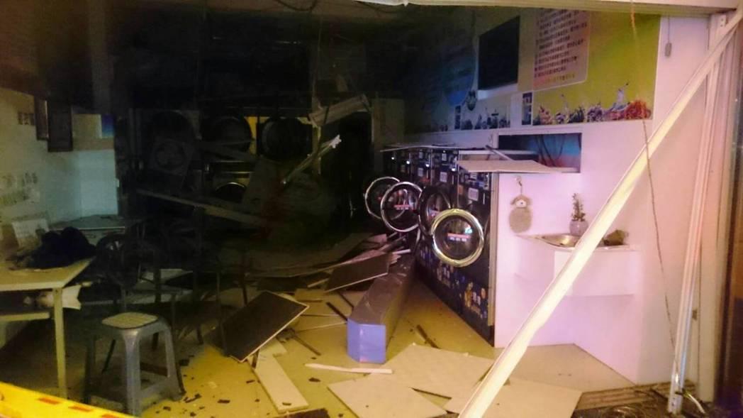 二林鎮一家自助洗衣店今晚發生氣爆,造成一對年輕夫妻燒燙傷送醫。圖/彰化縣消防局提...