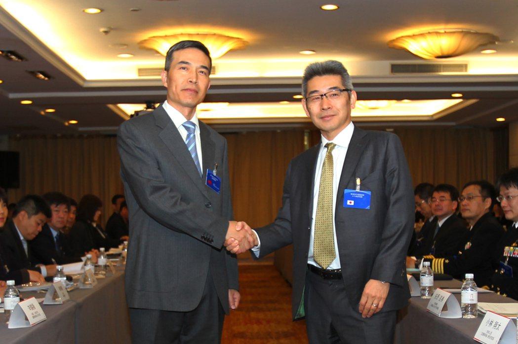 中日雙方針對建立防務部門海空聯絡機制「取得積極進展」,並同意繼續加強兩國防務部門...