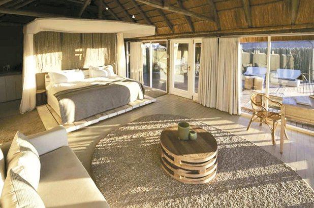 下榻一望無際無光害的納米比亞沙漠旅館,可以一邊數星星,一邊迎接新年度的曙光。 K...