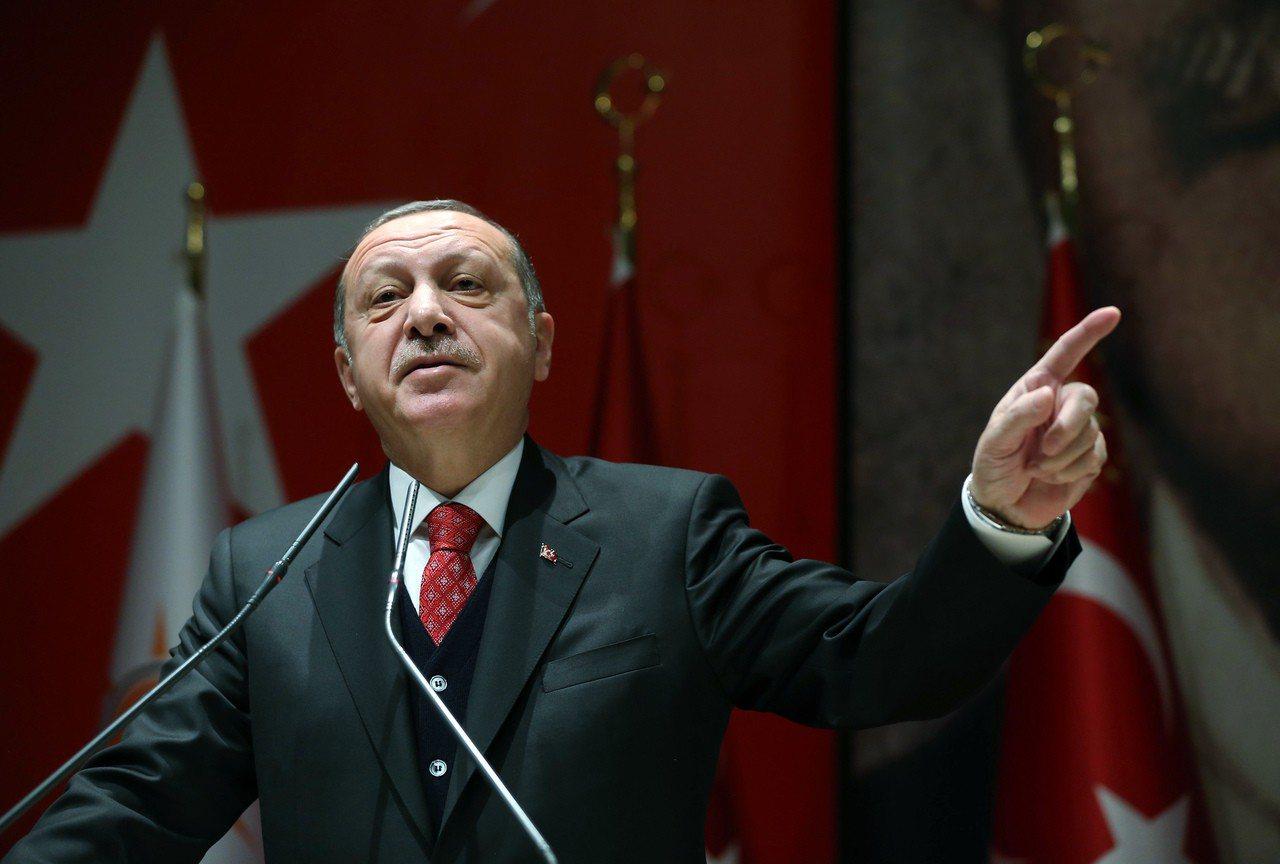 土耳其總統艾爾段今天展開希臘國是訪問,他倡議進行修正邊界談判並且抱怨對方未善待穆...