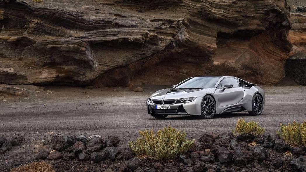 上周甫發表的全新BMW i8。 摘自BMW