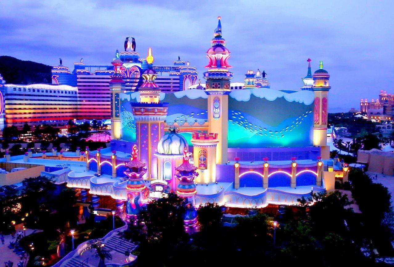 珠海橫琴長隆海洋王國5D城堡影院。圖/中新社