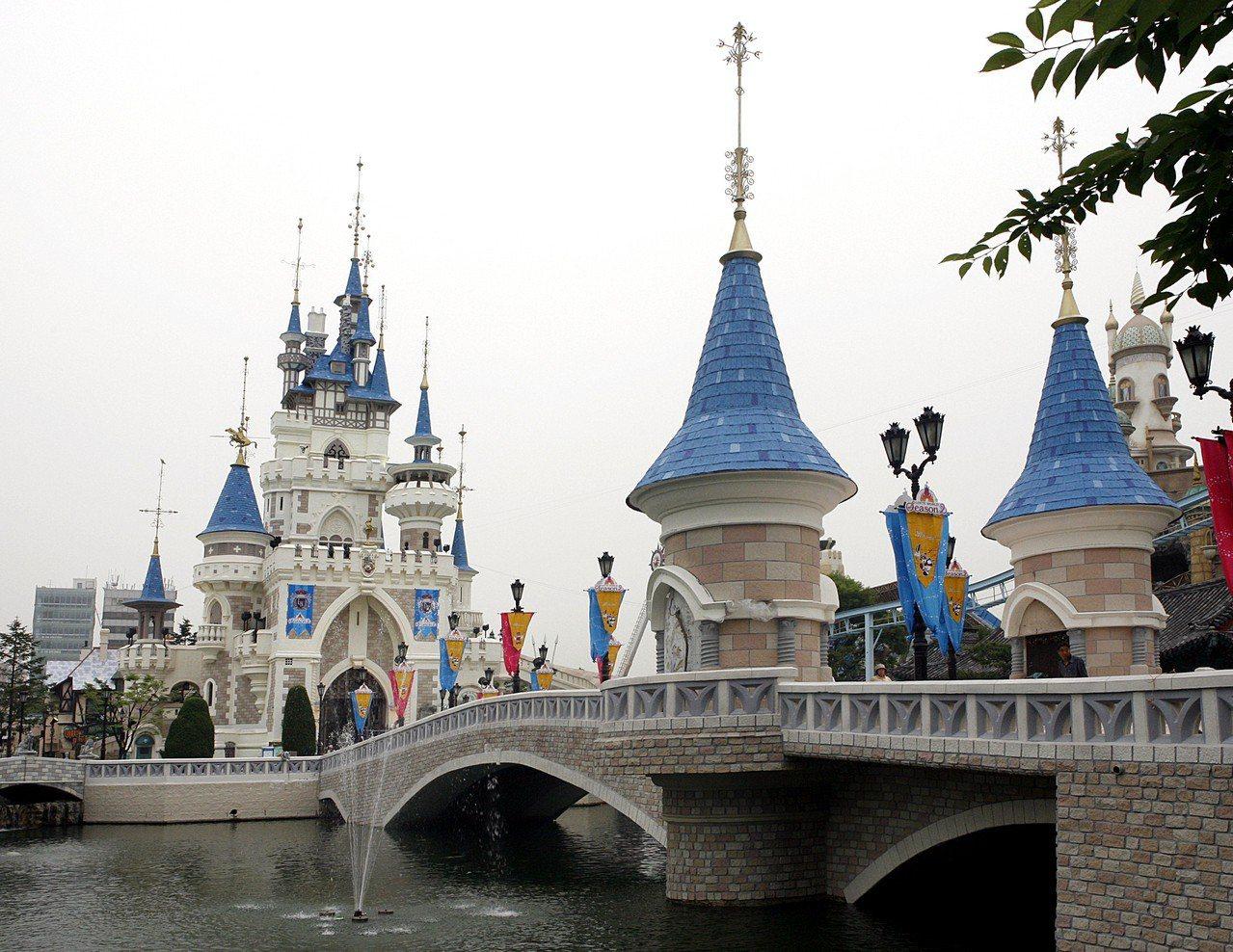 樂天世界遊樂園。圖/韓國觀光公社提供