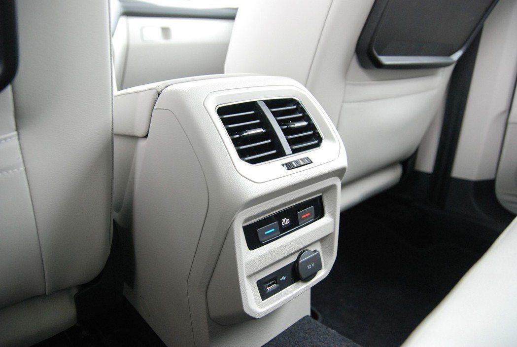 Allspace 具有Pure air三區獨立恆溫空調,有助於提升二、三排乘客的...