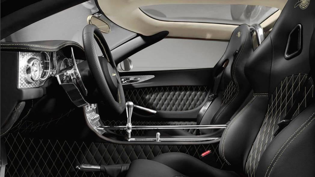 內裝同樣具備Spyker的奢華氛圍,整體機械感十足。 圖片來源:Spyder