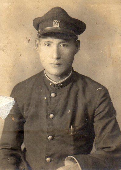 杜孝生畢業於台北帝大醫科(台大醫學系前身),是鄒族第一位醫師。圖/杜銘哲提供