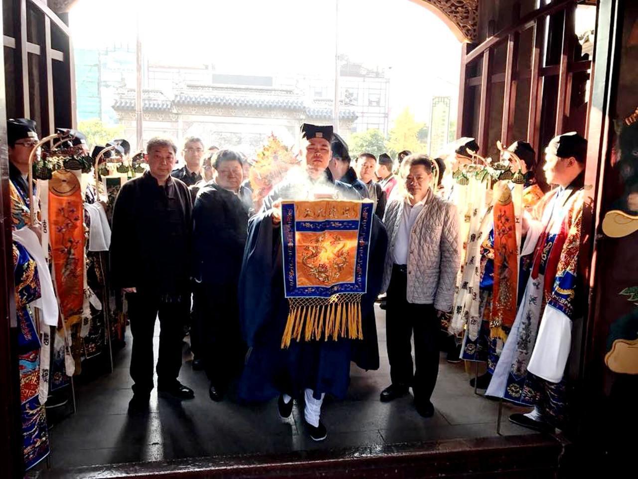 上海城隍廟與大甲鎮瀾宮締結友好宮觀,大甲媽正式分靈進駐上海。圖/大甲鎮瀾宮提供