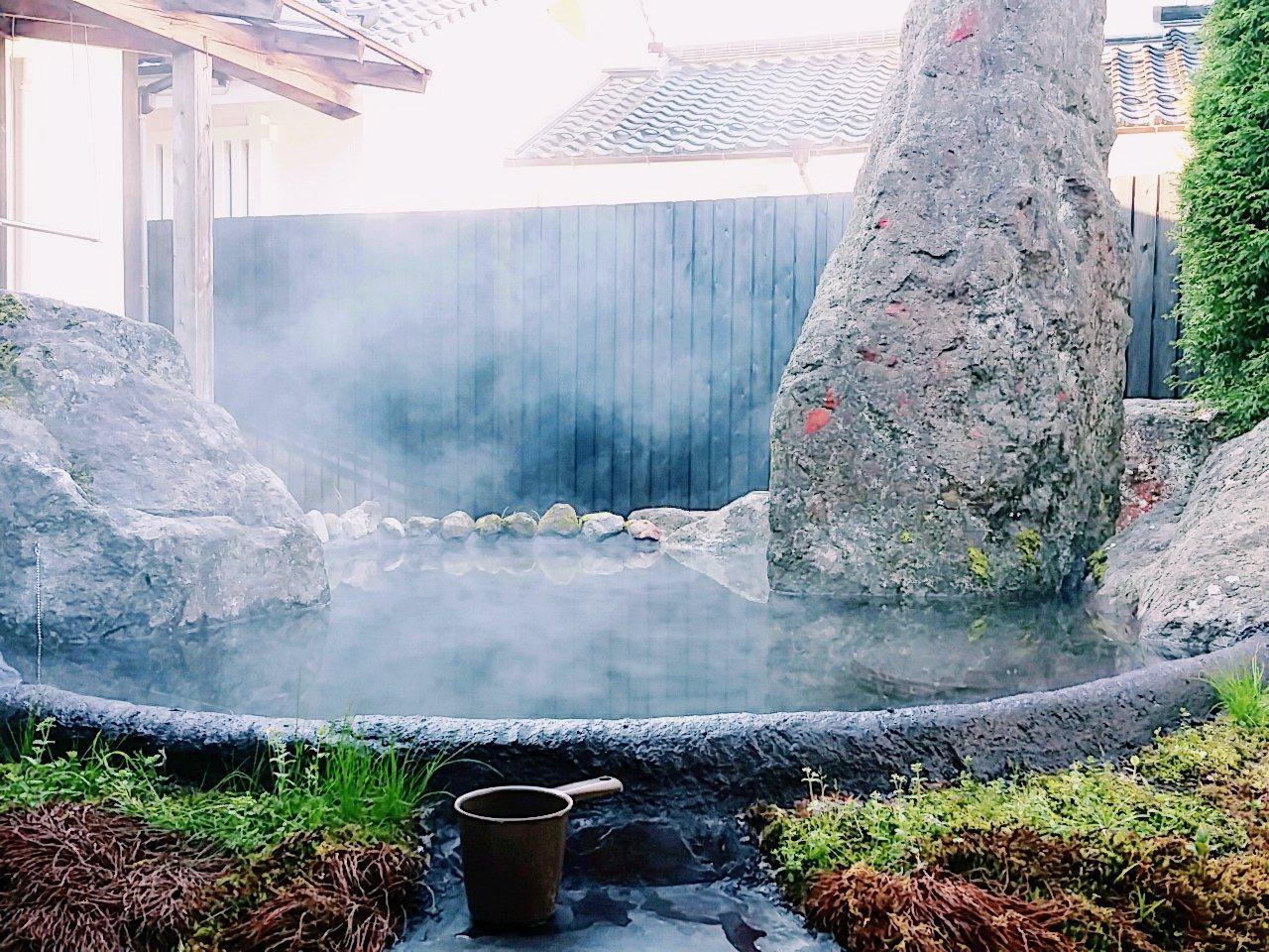 日本二線城市中最受歡迎的溫泉,有北海道湯之川溫泉、九州由布院溫泉,以及神奈川縣的...
