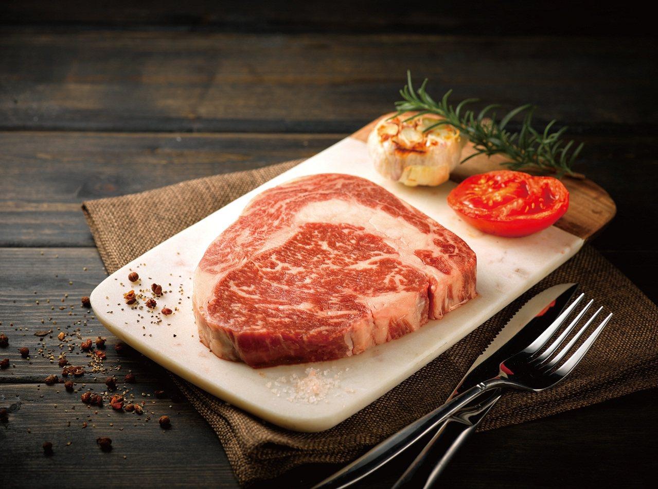 全聯預購推出澳洲9級和牛沙朗,800克,售價3,888元。圖/全聯提供