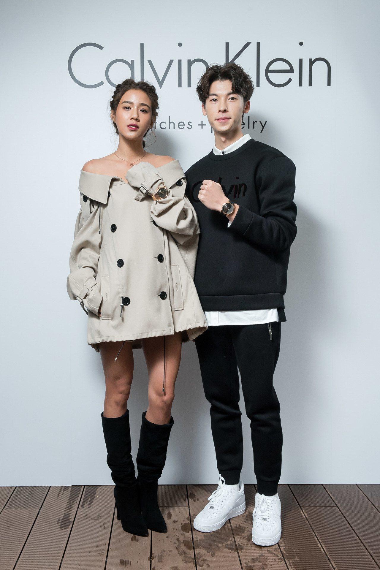 許光漢及陽光女模Angelina(左),一同演繹Calvin Klein耶誕節新...