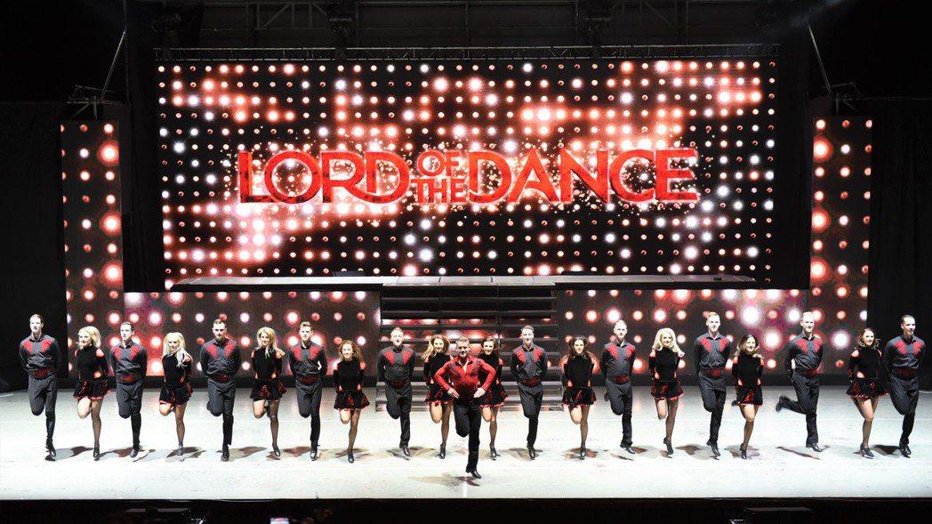 踢踏舞劇「2017舞王:危險遊戲」今天下午在台北國際會議中心舉行總彩排,8日晚間