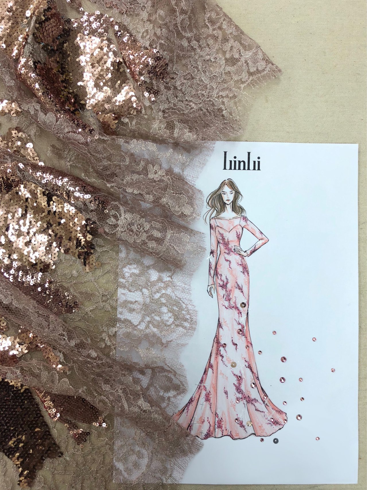 坣娜婚宴晚禮服設計手稿。圖/林莉婚紗提供