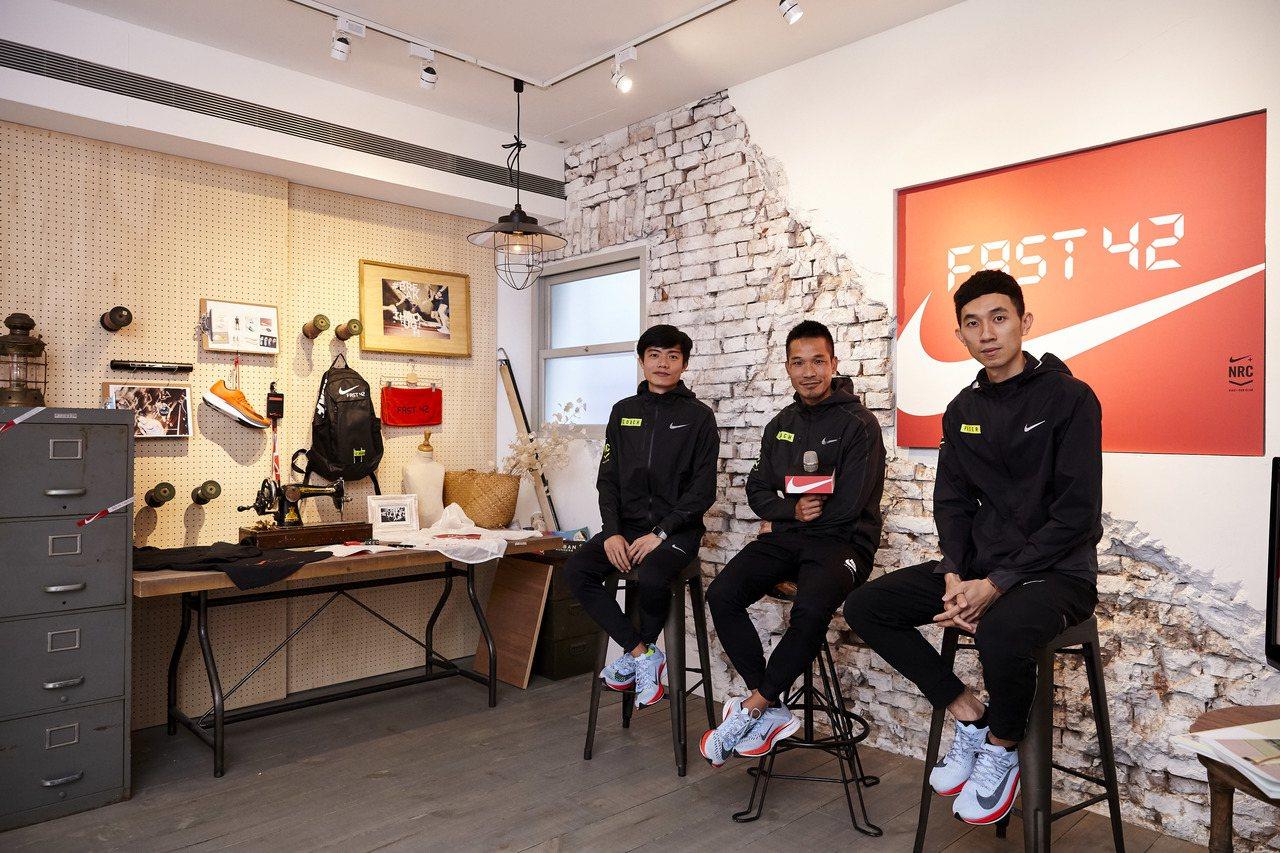 FAST 42團隊在總教練吳文騫(中)帶領下展開為期14周的系統化訓練。圖/NI...