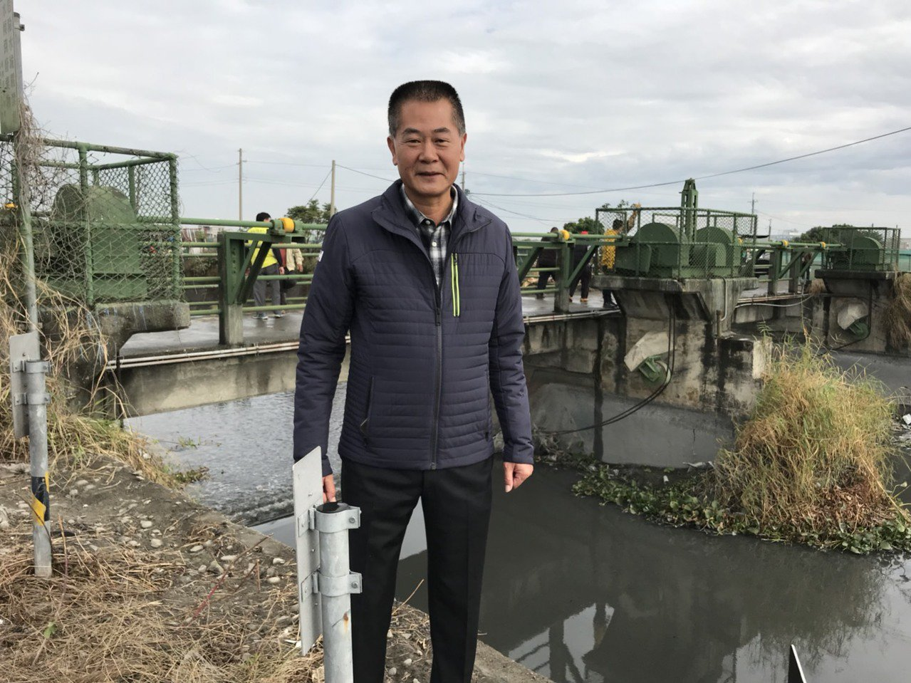 農田水利會長林文瑞強調改善後的二崙灌溉水門將兼具防洪功能,改善當地水患。圖/水利...