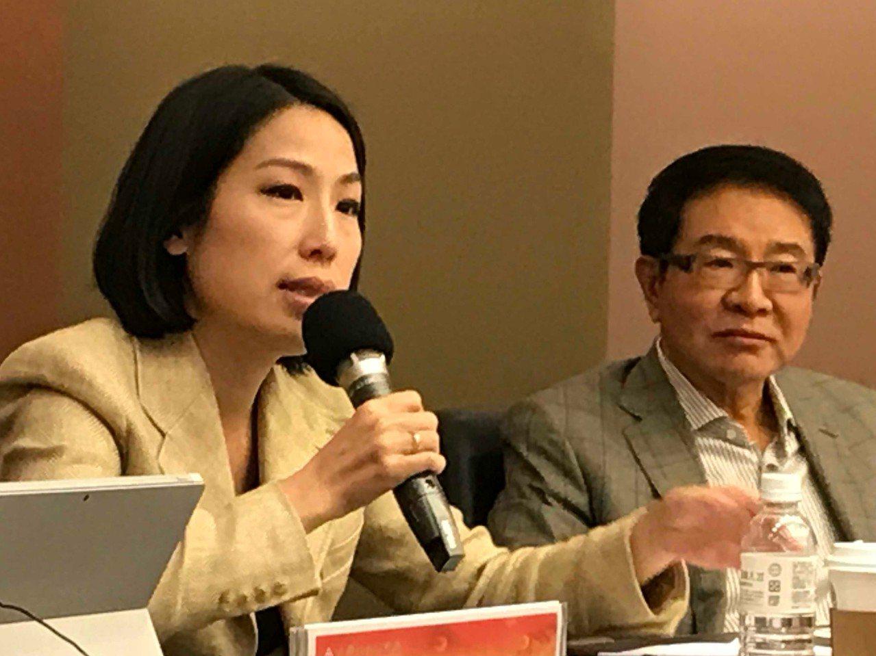 立法委員余宛如(左)。記者陳怡慈/攝影