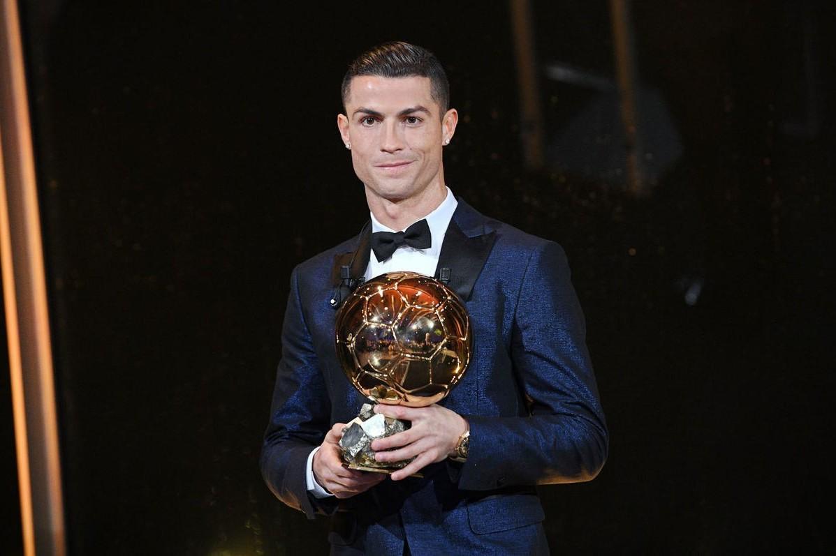 C羅收下個人第五座金球獎,也是連兩年獲獎。 歐新社