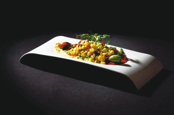 拿下亞洲50最佳餐廳第一名的Gaggan此番摘二星。