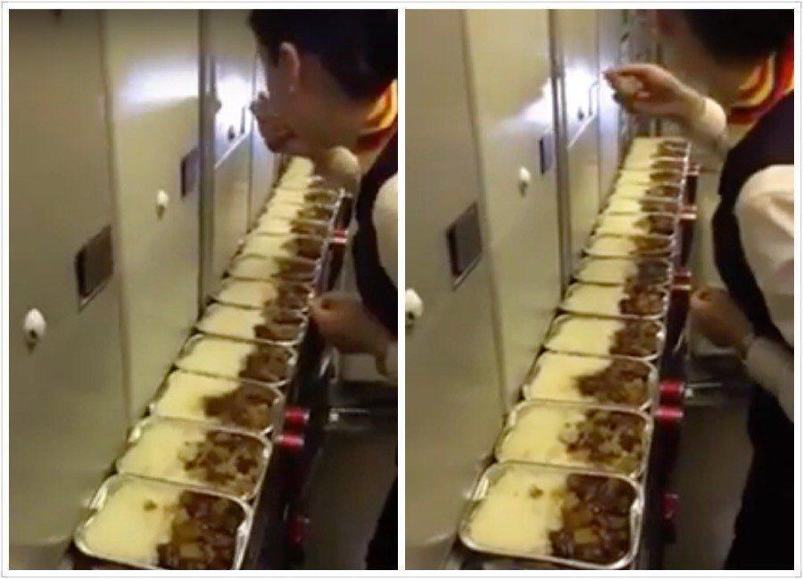 烏魯木齊航空空姐,在飛機上偷吃飛機餐。圖擷自YouTube