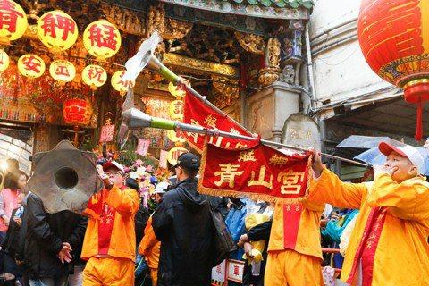 思索艋舺廟會的靈魂:由青山王遶境看民間信仰的現代衝突