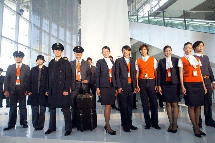 陳季敏設計高鐵制服,從做工到外型都講究品牌精神。圖/記者林秀明攝影