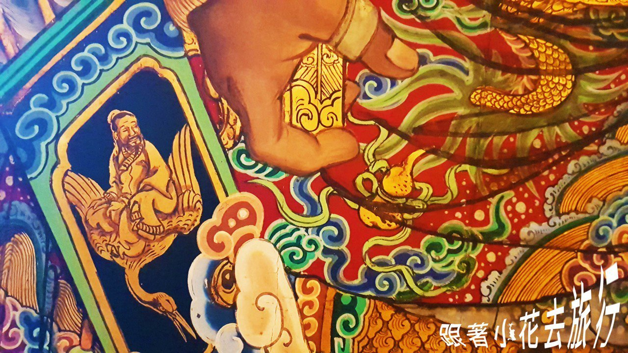 古蹟修復大師蔡舜任所修復的門神畫作, 畫工細緻,將被破壞的色彩全部恢復回來,真的...