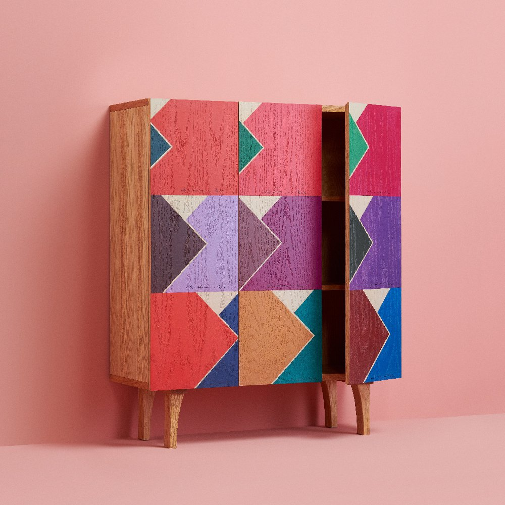 躍進的幾何色彩書櫃,售價19,000元。圖/生活工場提供