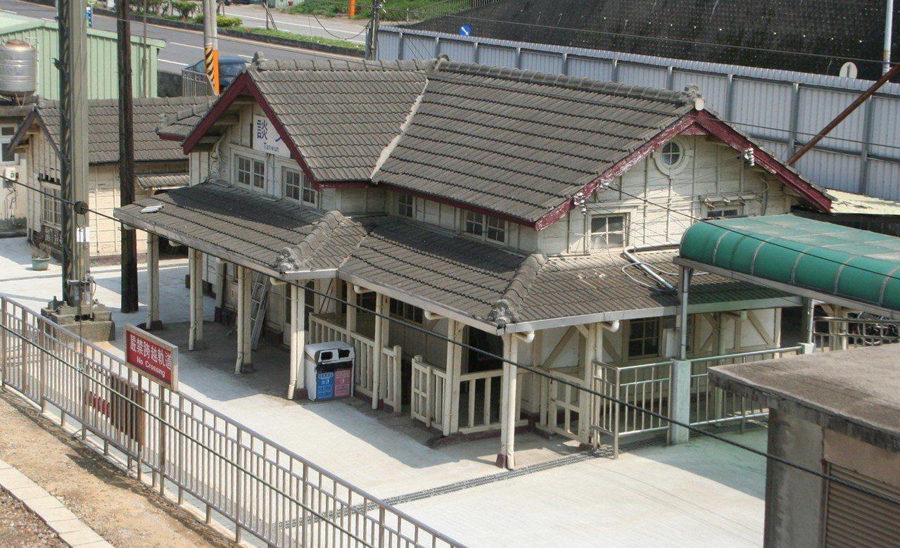 海線鐵路苗栗縣造橋談文站,與大山、新埔站是「三胞胎」。 記者胡蓬生/攝影