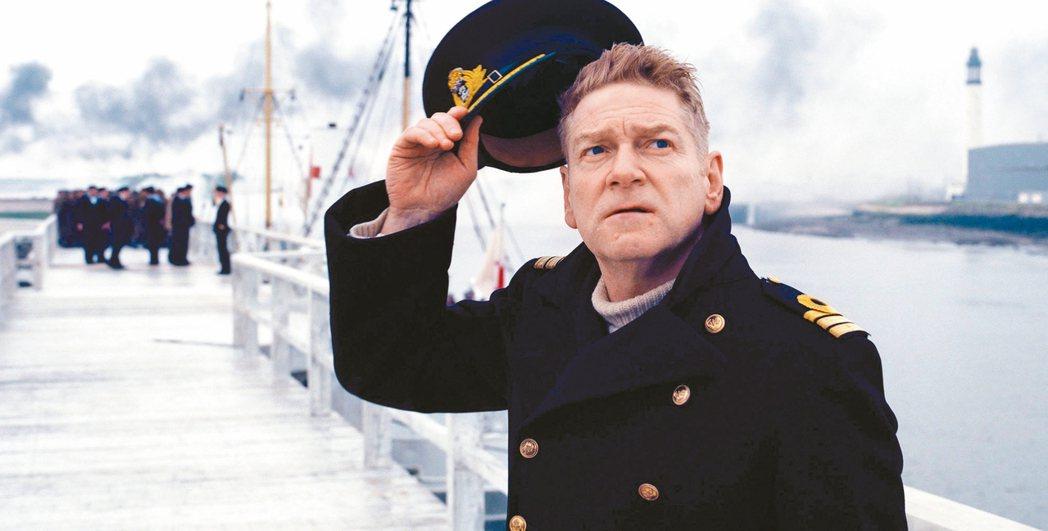 肯尼斯布萊納今年在「敦克爾克大行動」當中演出一名英國高級軍官。 圖/華納兄弟提供