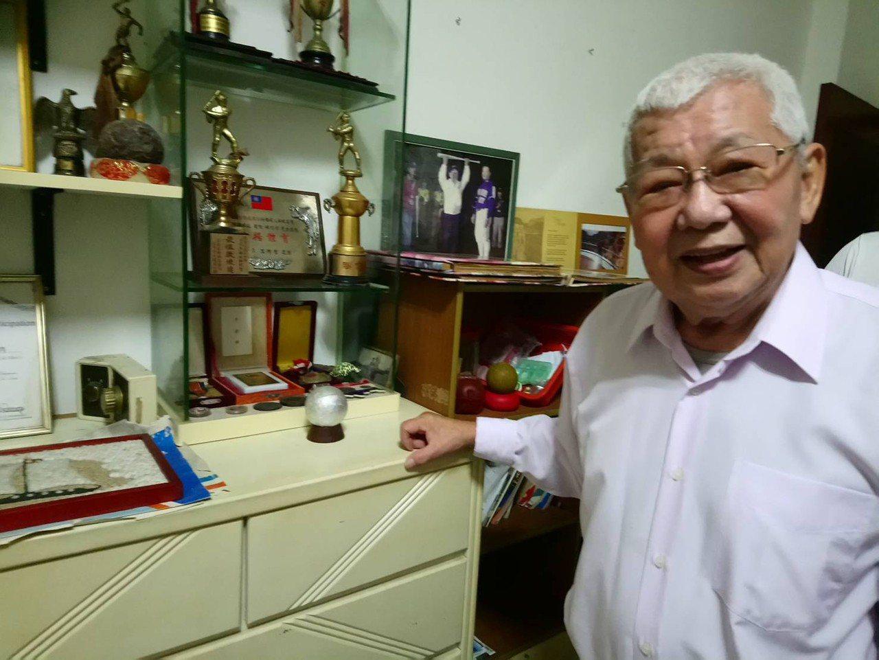 前三商虎隊總教練、於職棒元年帶領三商虎隊拿下台灣職棒史上第一座季冠軍的林信彰。(...