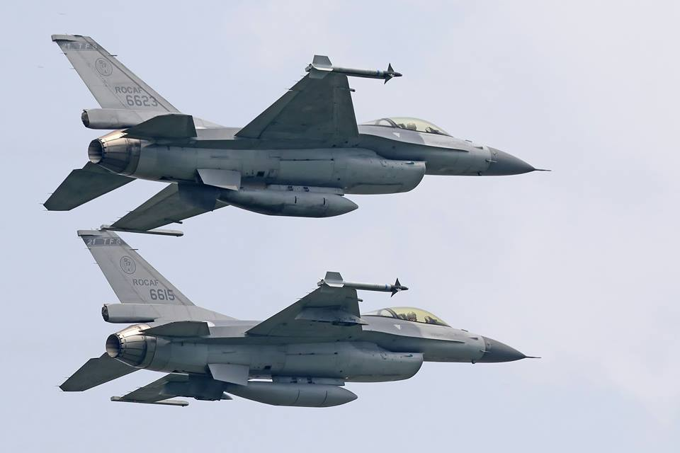 空軍率先換裝F-16戰機的嘉義基地455聯隊,改番號第四戰術戰鬥機聯隊,圖為F-...
