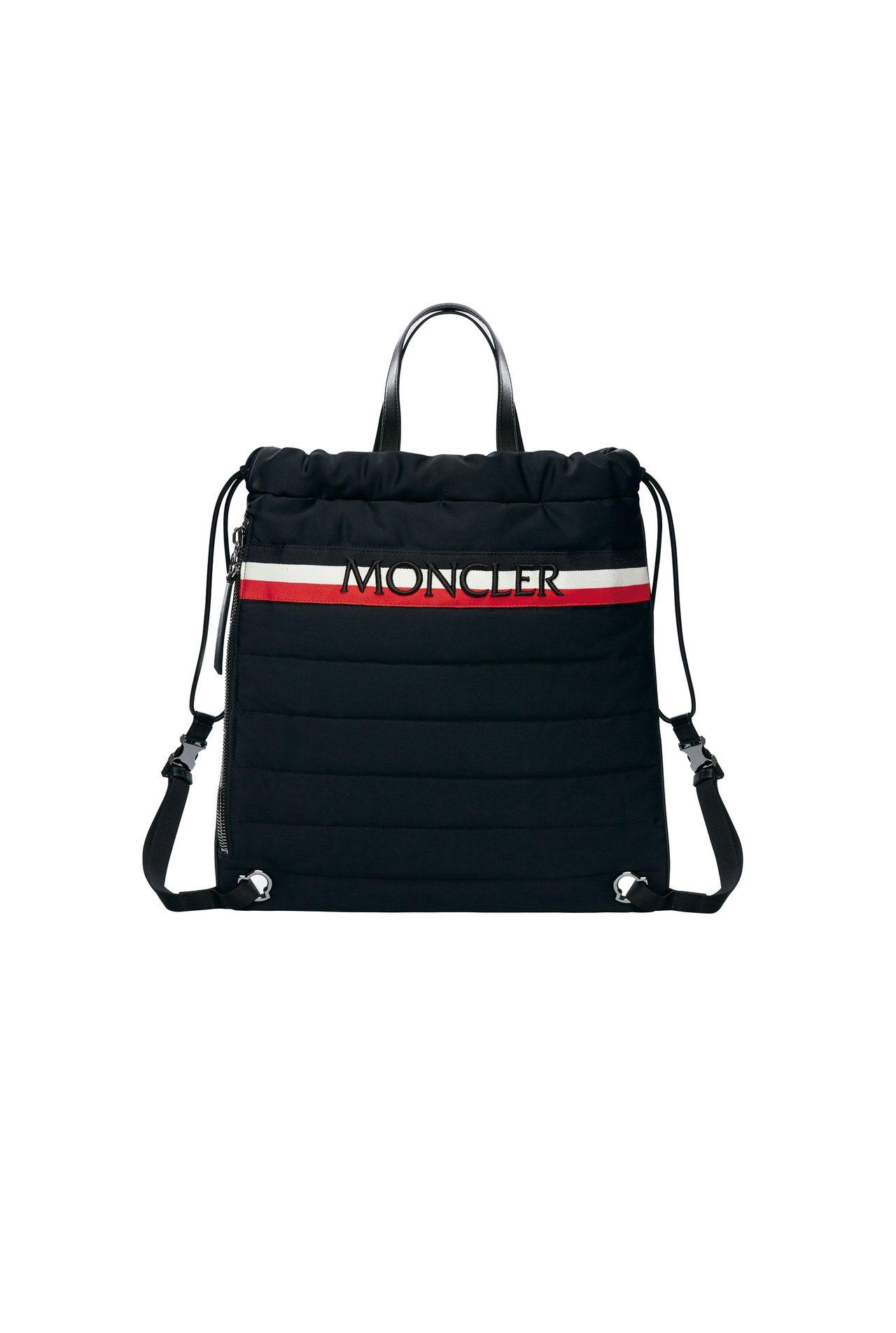 男款New Kinly黑色後背包,售價20,600元。圖/MONCLER提供