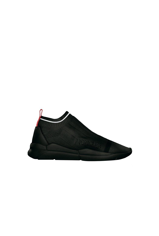 男款Adon黑色彈性休閒鞋,售價16,400元。圖/MONCLER提供