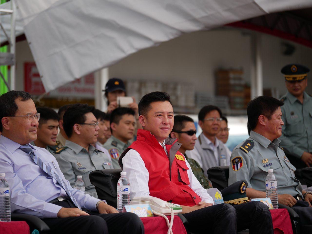 市府曾辦民安三號暨災害防救演習,市長林智堅(左2)觀看演練。圖/市府提供