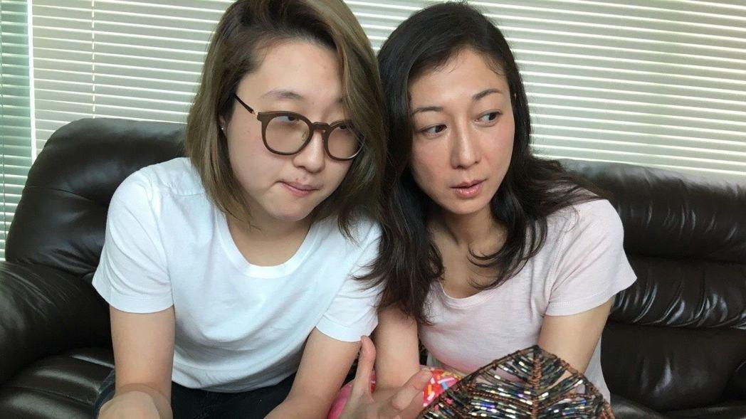 「小龍女」吳卓林(左)離家半年,吳綺莉坦言已習慣。圖/摘自微博