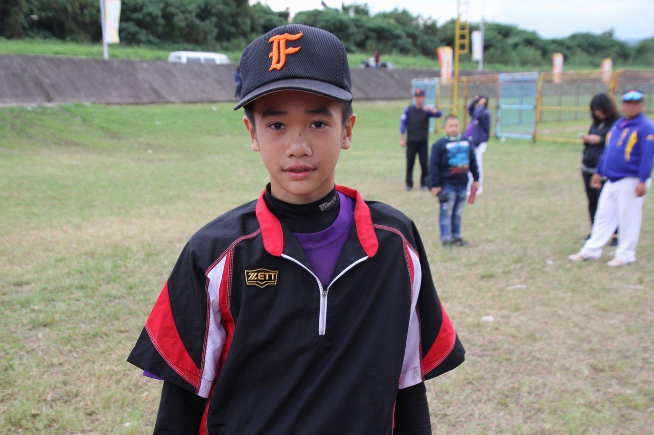 張峻瑋來自紅葉國小,這次加入台東縣代表隊補起球隊內野缺口。記者葉姵妤/攝影