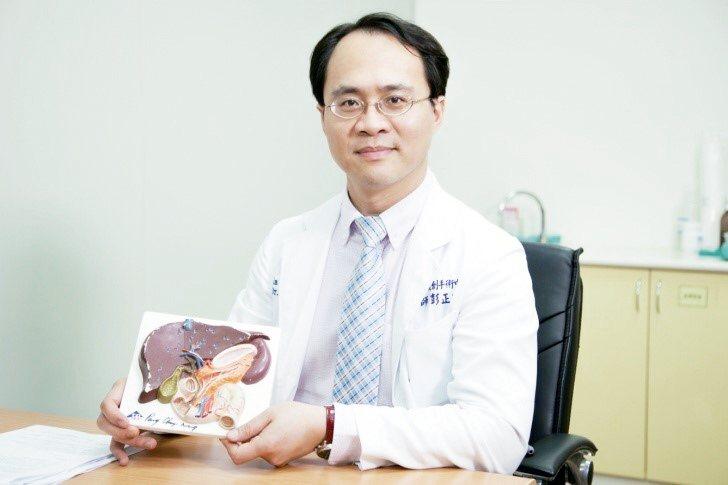 中山醫學大學附設醫院達文西手術微創中心暨一般外科 彭正明主任