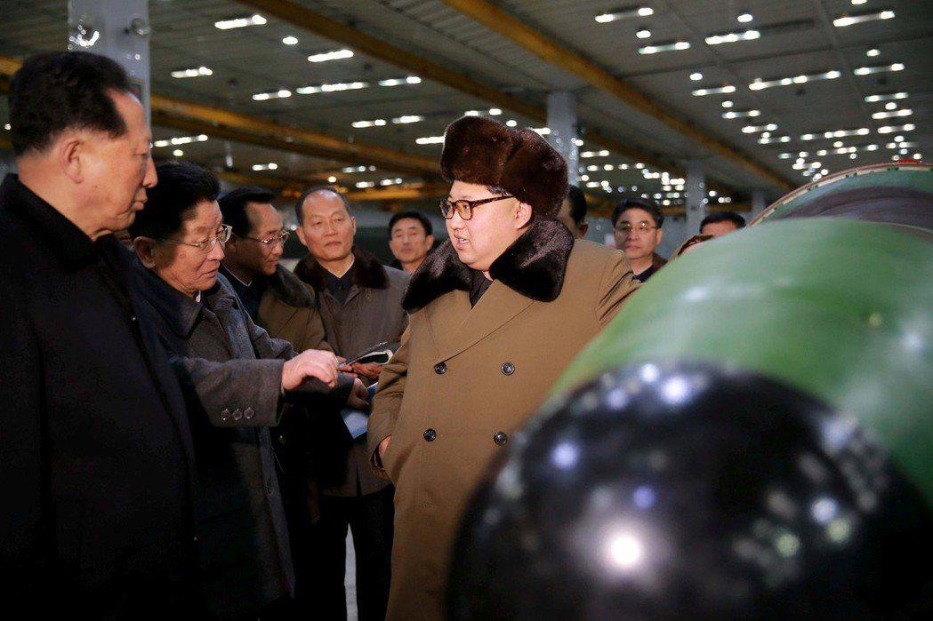 為因應北韓快速發展武器計畫,南韓、美國及日本11日起將舉行兩天的飛彈追蹤演習。南...