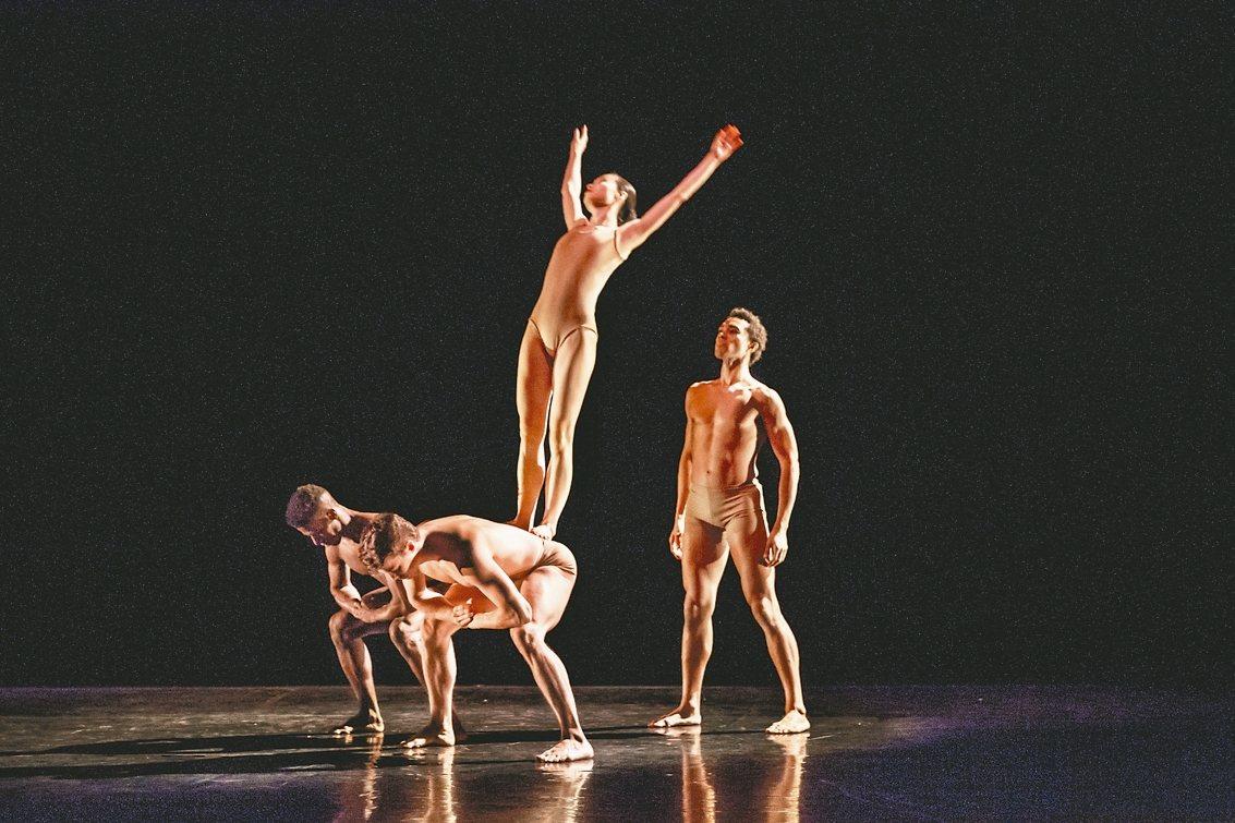 葛蘭姆舞團《悲慟系列》。 聯合數位文創/提供