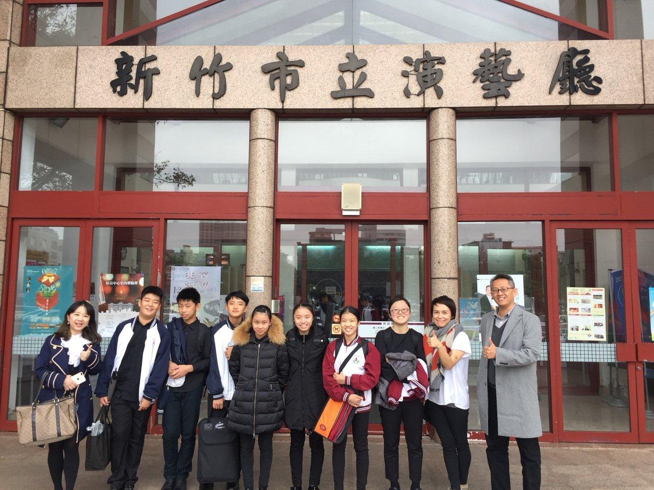 建華國中國中團體組打擊樂合奏榮獲特優,進入全國賽光華國中打擊樂合奏國中團體組榮獲...