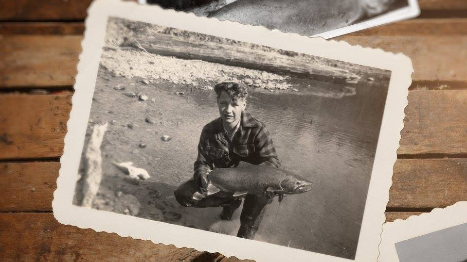 迪克是從1940年代中期,他開始標註從艾爾華水壩到河口的每一個漁梁、淺灘及河灣。...